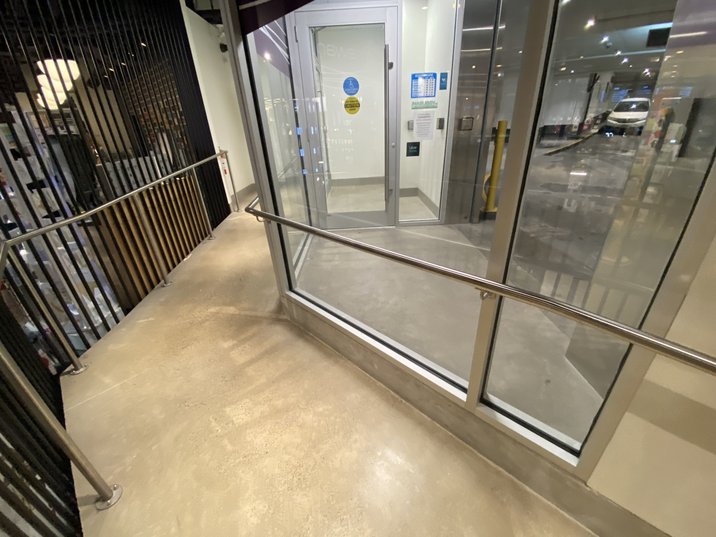 <div class='portfolio-image-caption'>McEwan Valet Entrance</div>